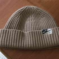 Мужская шапка, в Узловой