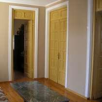 Сдается посуточно 4-х комнатная квартира(ВЕСЬ 2 ЭТАЖ), в г.Тбилиси