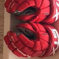 Продам Перчатки хоккейные !, в Красноярске