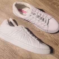 Новые белые кроссовки, в Санкт-Петербурге
