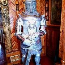 Рыцарь - креативная скульптура, в Москве