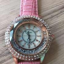 Часы кварцевые, новые, розовые со стразами, в г.Брест