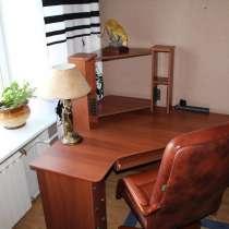 Компьютерный стол и кресло, в Бийске