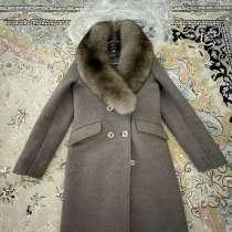 Пальто, в г.Атырау