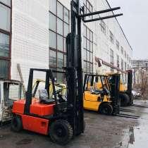 Погрузчик Nissan 2.5 тонн, дизельный, автомат, в Москве