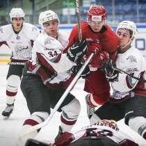 Хоккейный тренер, в Москве