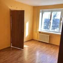 Продается трехкомнатная квартира, в Алексине