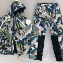 Продам детский зимний костюм фирмы Моло. Супер удобный, в Иркутске