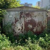 Продам металлический разборный гараж, 15 кВ.м.Внутри имеются, в Саратове