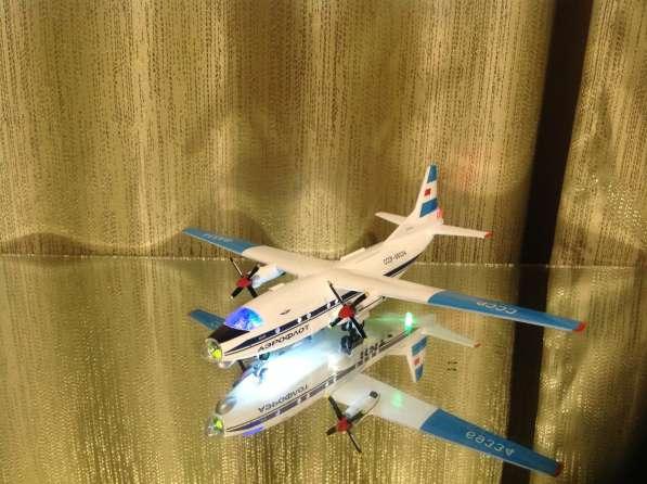 Модель самолёта АН-8