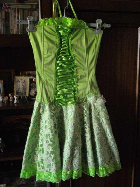 Красивенное платье-бюстье на корсете