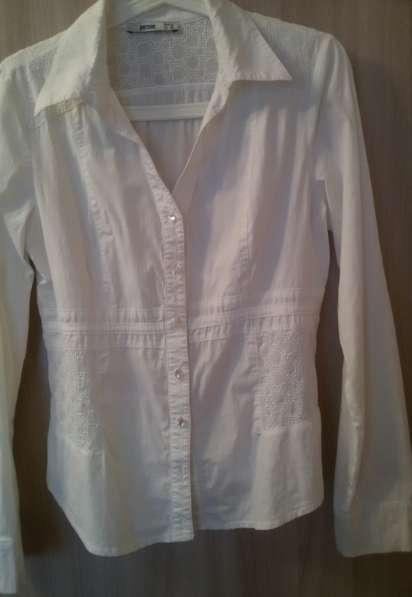 Рубашка белая с шитьём, р-44(46)