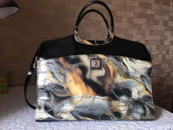 Фирменная сумка сделана в Италии