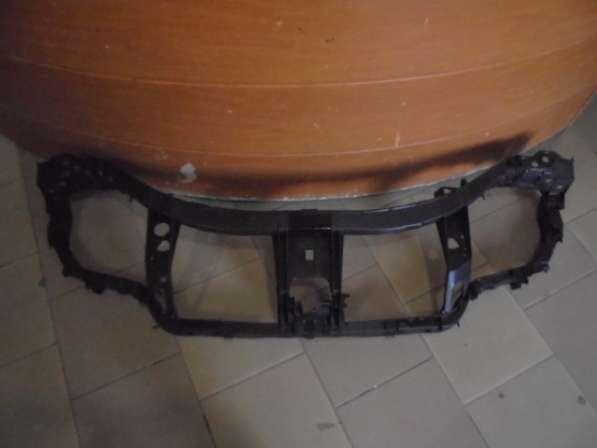 Передняя панель радиатора на Ford S-MAX 2010