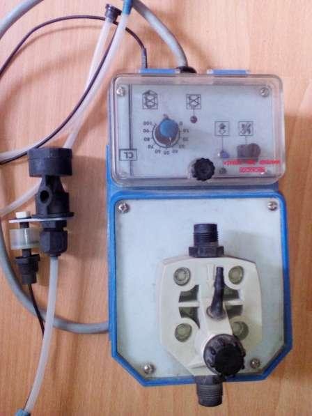 Дозирующий насос для реагентов в бассейне emec