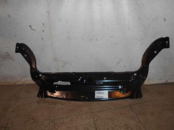 Верхняя передняя панель радиатора на Peugeot Partner 2002-08