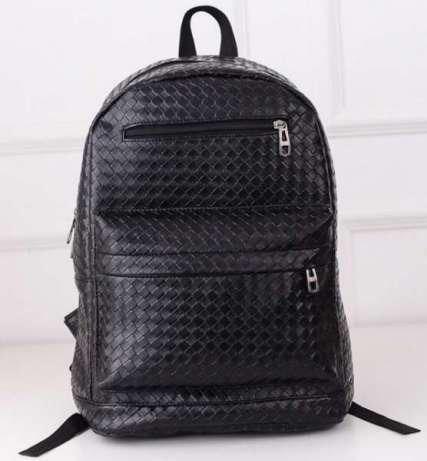 Рюкзак из черного кожзама (искусственная кожа, PU-кожа)