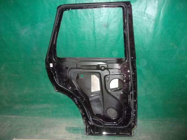 Range Rover Sport 1 Дверь задняя Right