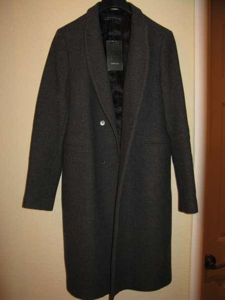 Пальто женское, новое, демисезонное ZARA (р. 46-48)