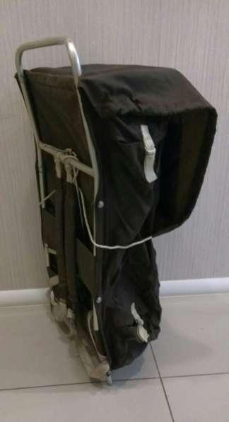 Туристический рюкзак на жесткой раме