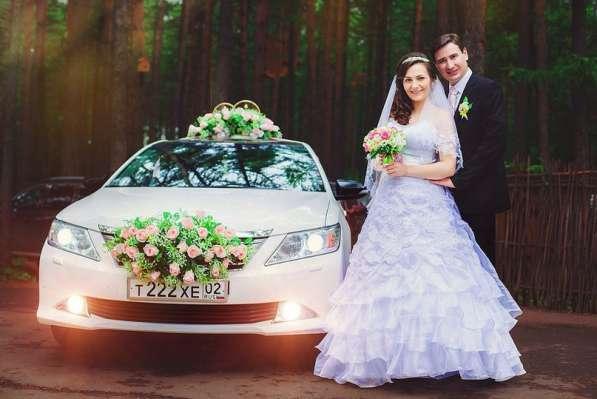 Свадебные украшения в Уфе, Кольца букеты для машин