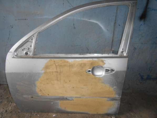 Передняя левая дверь на Ford Focus I 1999-2004г