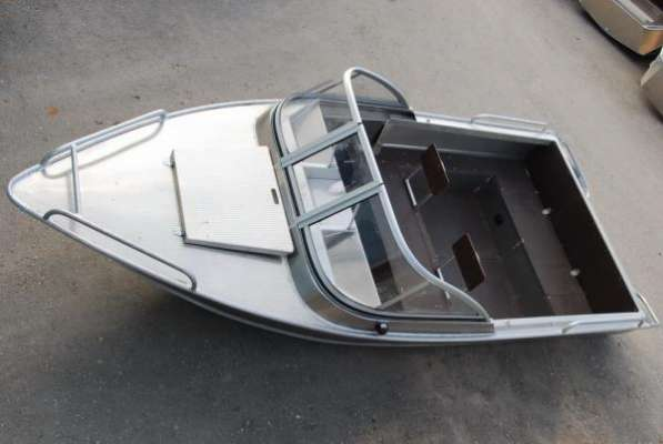 Моторная лодка «Windboat-42ME