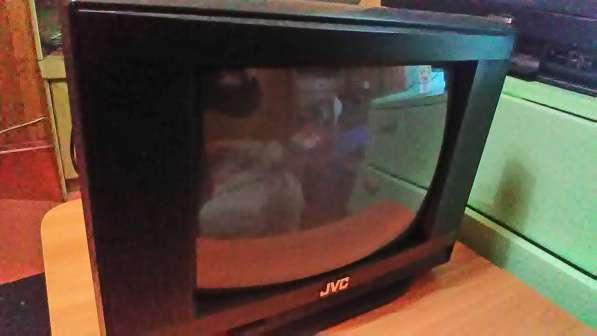 Телевизор 14дюймов JVC (36см, цветной, кинескоп)