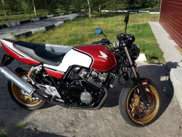 Honda cb400 sf vtec2