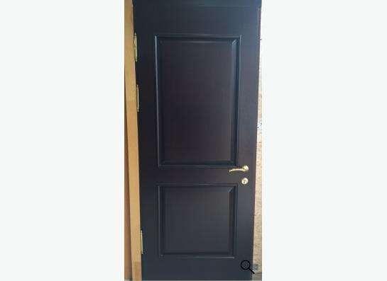 Теплая входная дверь деревянная, массив сосны