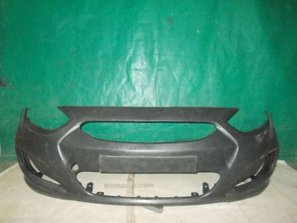 Передний бампер на Hyundai Solaris - Новый