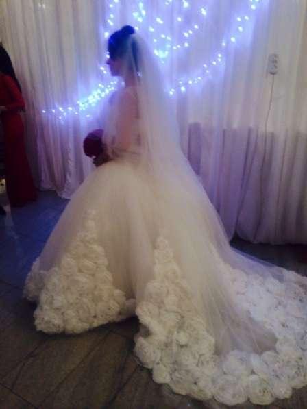Продажа свадебного платья (Розы)