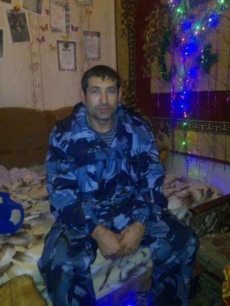 Олег, 40 лет, хочет пообщаться – Олег, 40 лет, хочет пообщаться