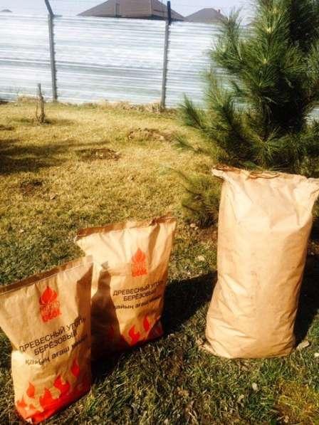 Продам Уголь древесный березовый - 9 кг