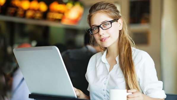 Работник онлайн-магазина
