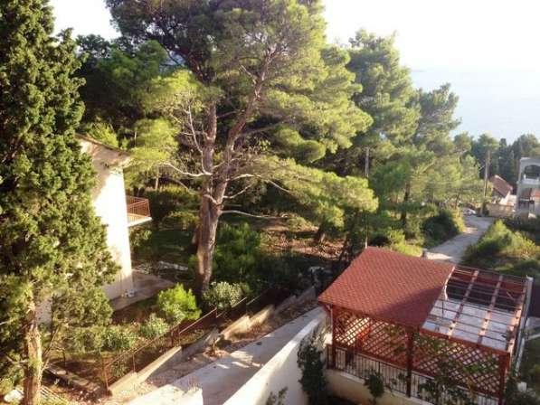 Дом с панорамными окнами, вид на море и горы. Черногория в
