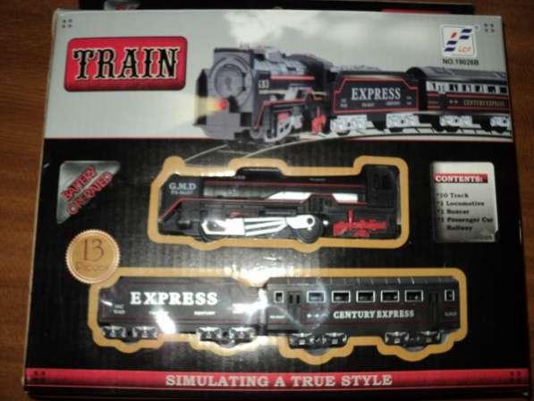 Игрушечная железная дорога с управляемыми вагонами
