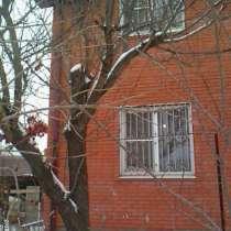Продам двухэтажный кирпичный дом, в Краснодаре