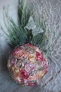 Свадебный брошь-букет из атласных лент и фоамирана, в Орехово-Зуево