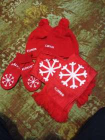 Новогодний набор! 2 шапки,2 шарфа, варешки, в Кемерове