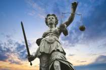 Адвокат Правовая помощь Юридические услуги, в г.Северодонецк