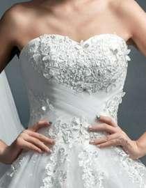 Новое классическое свадебное платье, в Иркутске
