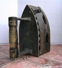 Старинный чугунный утюг под угли, в г.Нальчик