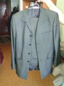 Мужской костюм стального цвета, в Благовещенске