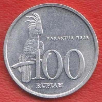 Индонезия 100 рупий 1999 г.