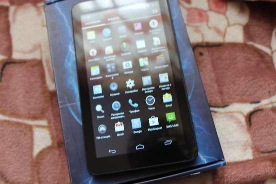Смартфон с огромным дисплеем 7