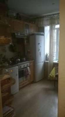 Обменяю 2-х комнатную на 3-х комнатную квартиру в Ворошиловском р-не с доплатой