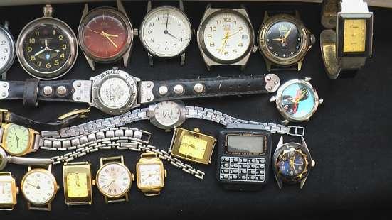 Часы в ремонт или на запчасти, кварцевые и механика, двое на в Саратове Фото 2