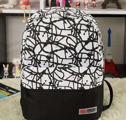Рюкзак белый черный граффити