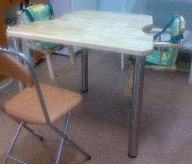 Деревянные столы для кормления двух детей в домах ребенка